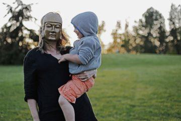 Photo d'une mère anonyme et de son fils